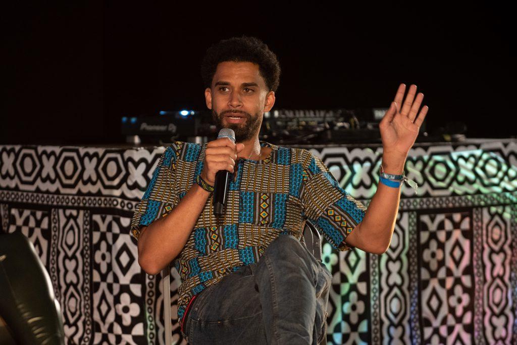 Freak de l'Afrique: »Afro x Beats x Berlin« (Aziz Sarr) / Talk @ Kino in der Kulturbrauerei – Photo: Camille Blake