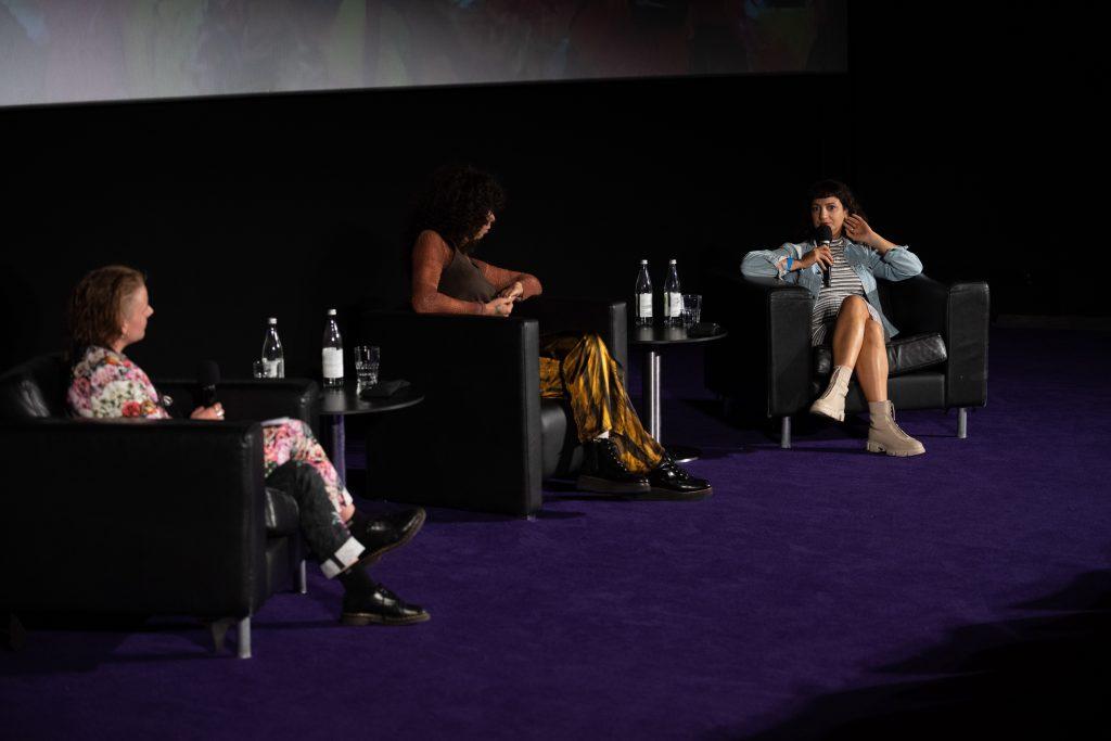 »Musikalische Brüchigkeit und widerständige Körperlichkeit – Inter/sektionen« / Talk @ Kino in der Kulturbrauerei – Photo: Camille Blake