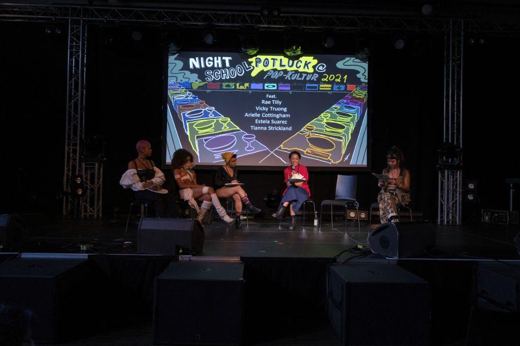 Night School Berlin: »Night School Potluck« @ Palais – Photo: Dominique Brewing