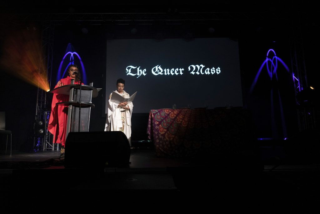 Night School Berlin: »QUEER MASS – The First Potluck« @ Palais – Photo: Dominique Brewing