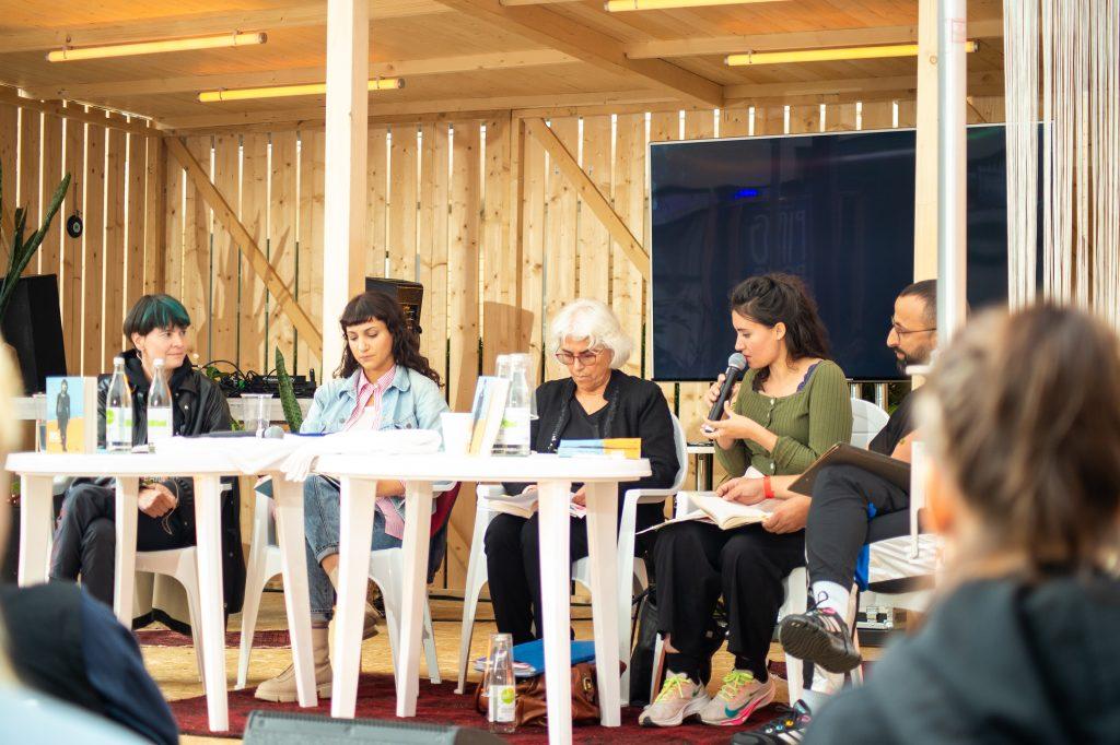 »Semra Ertan – Mein Name ist Ausländer« / Reading & Talk @ Çaystube – Photo: Käthe deKoe