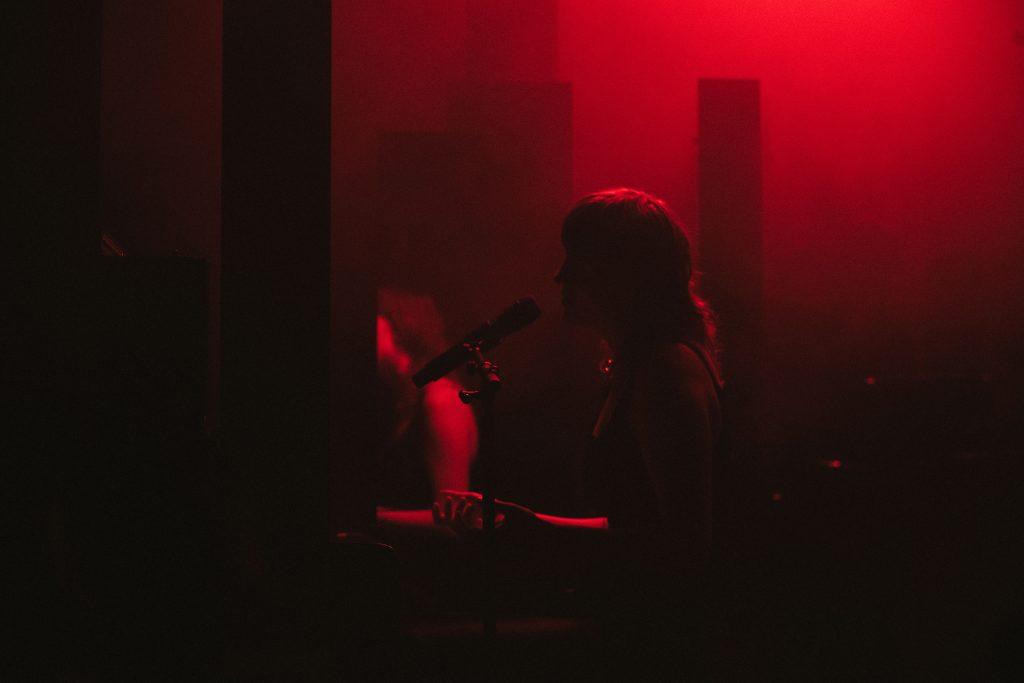 Tara Nome Doyle: »Hall of Mirrors« @ RambaZamba Theater – Photo: Camille Blake