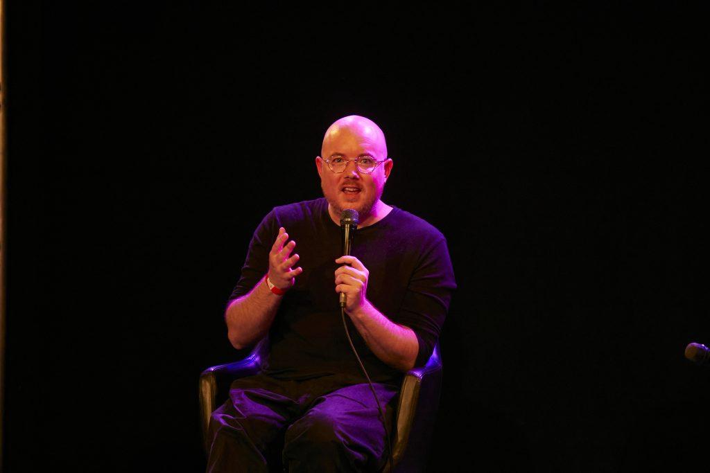 »The Streaming Economy: Is There No Alternative?« (Mat Dryhurst) / Talk @ Frannz Club – Photo: Phillip Zwanzig